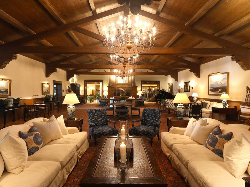 Large couches in the lounge of the Ponte Vedra Inn & Club