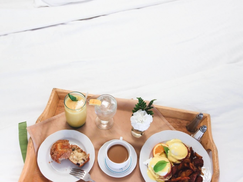 breakfast in bed at the lodge