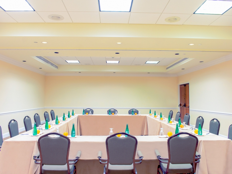 Meeting setup in the silver sand dollar room