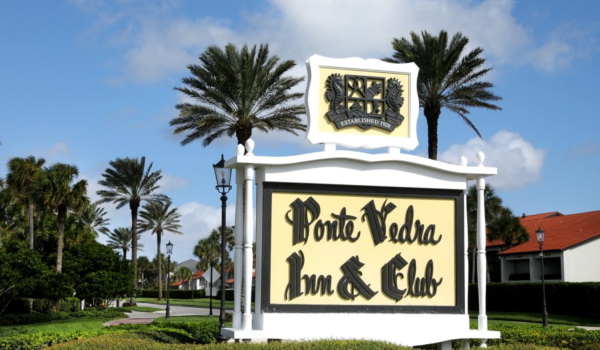 Font welcome sign for Ponte Vedra Inn & Club