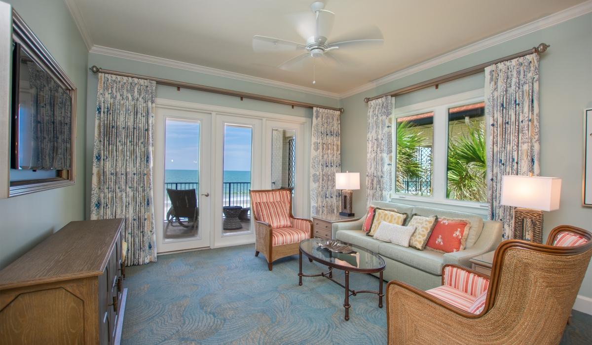Ocean House - Beach front
