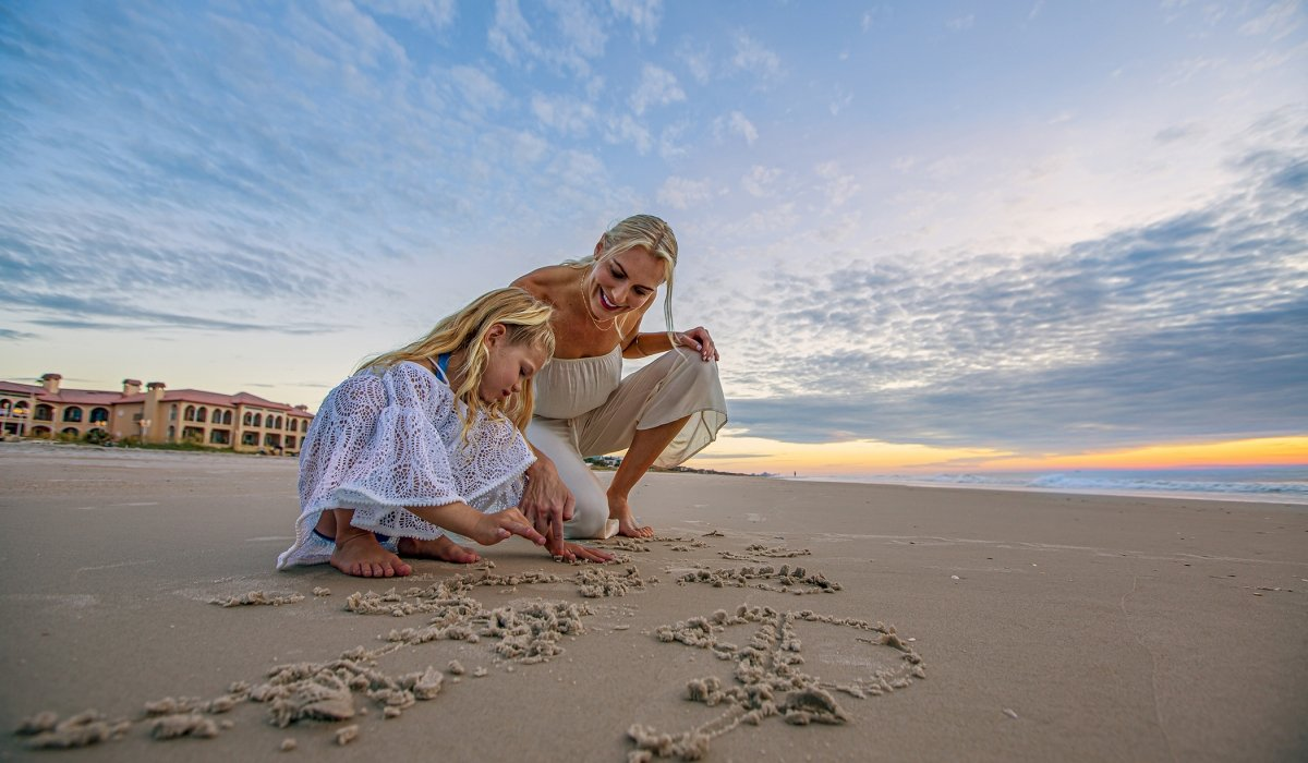 PVR Beach Mother Daughter C