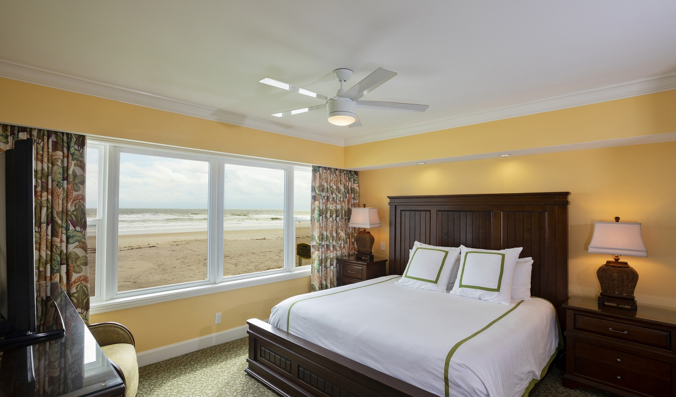 Bedroom, Inn Oceanfront Suite