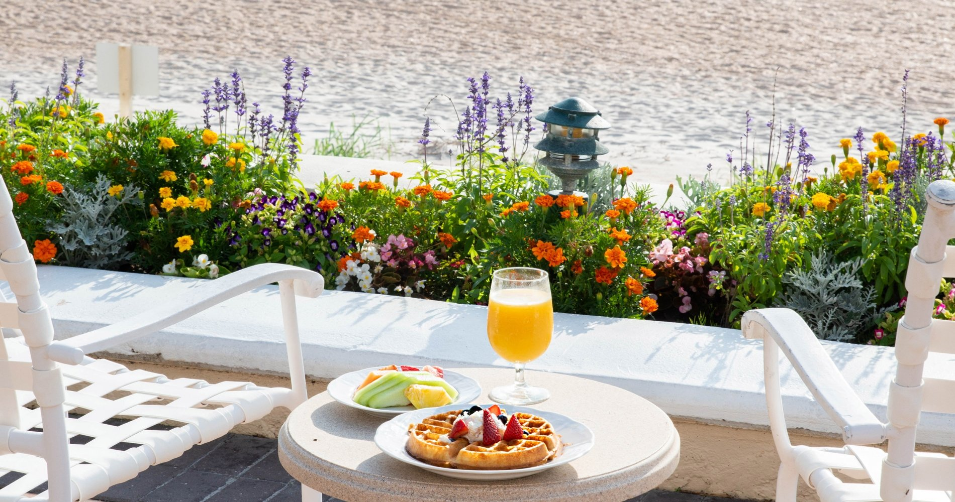 Lodge Beach Side Breakfast